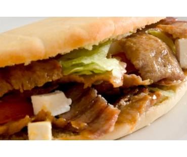KEBAB POLLO. Carne, Queso y Salsa Yogurt