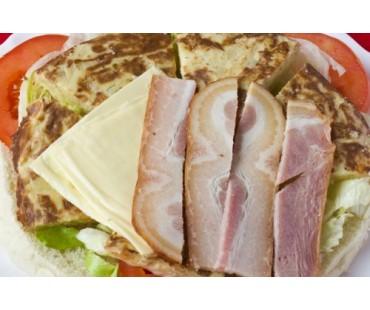 RUSTICO 2. Tortilla Patatas, Bacón y Queso.